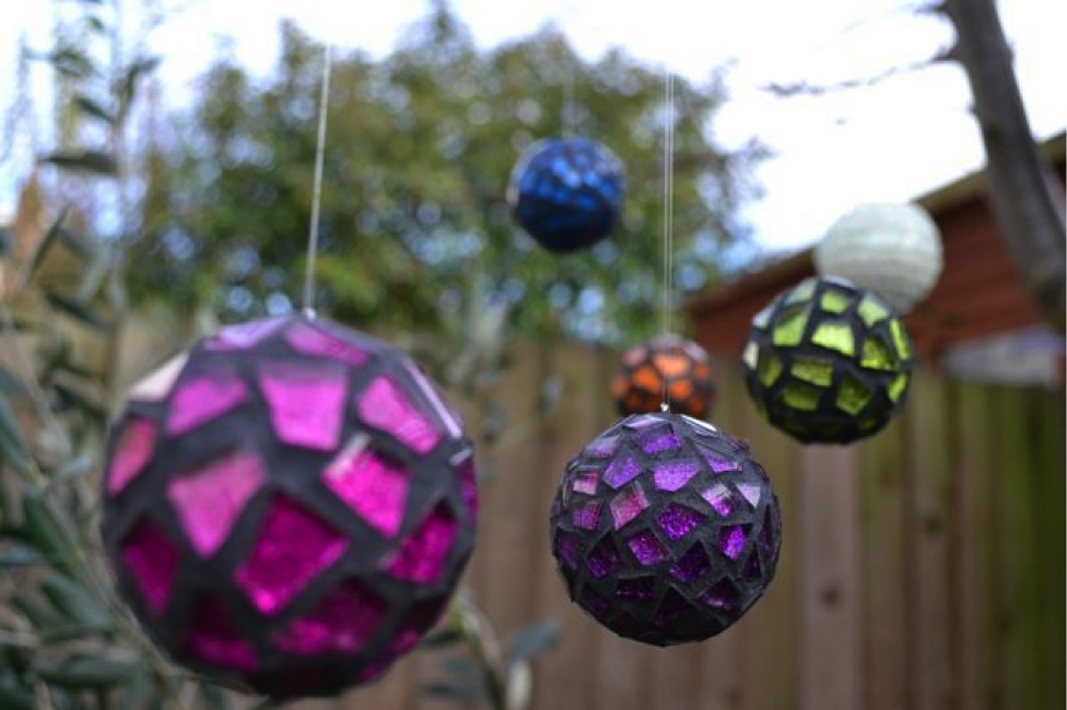 Mosaic Christmas Balls - How To Decorate Your Home For Christmas With Mosaics ? Mozaico