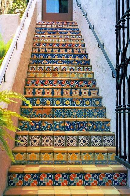 Colorful Stairs · Mozaico Art