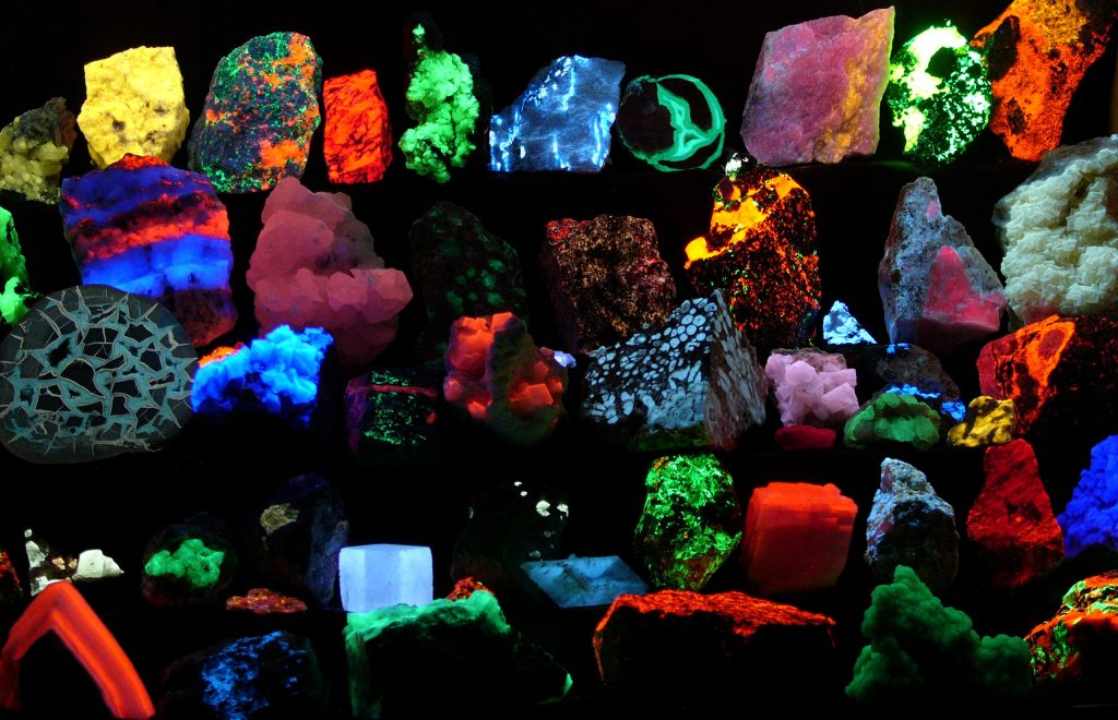 Fluorite facts | Top Must Know Interesting Facts About Fluoride | Mozaico