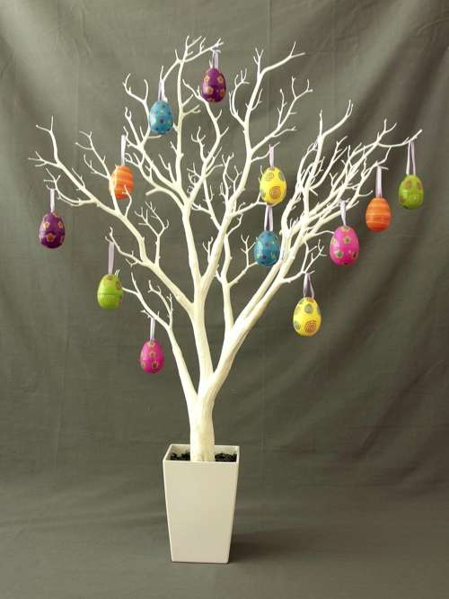 Creative ideas for easter decorations mozaico blog How to make an easter egg tree