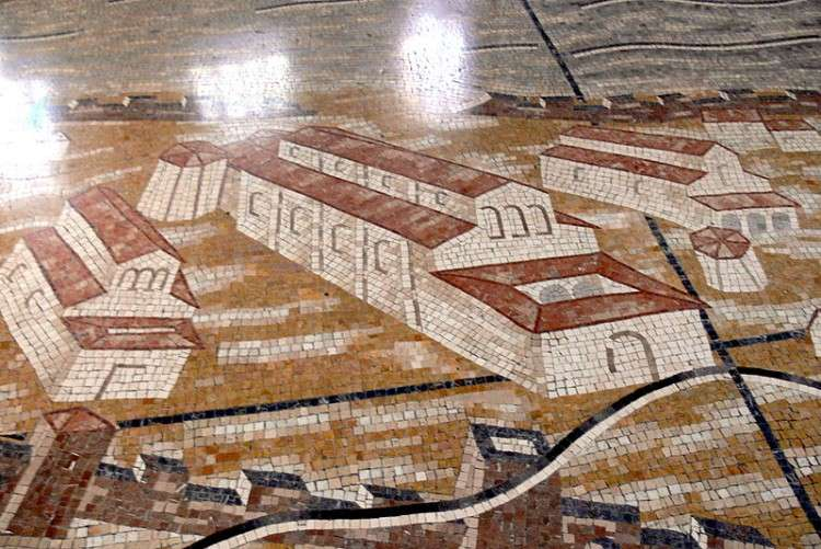 Grado Mosaic Pavement