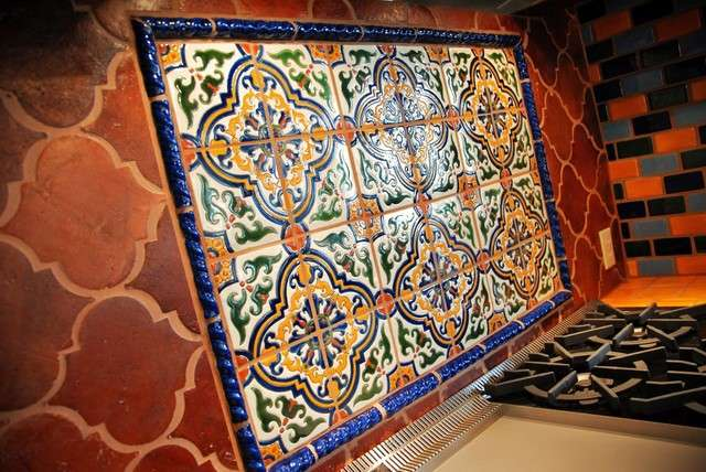 Mosaic kitchen backsplash trends 2015 2016 mozaico blog for Mosaic tile bar top