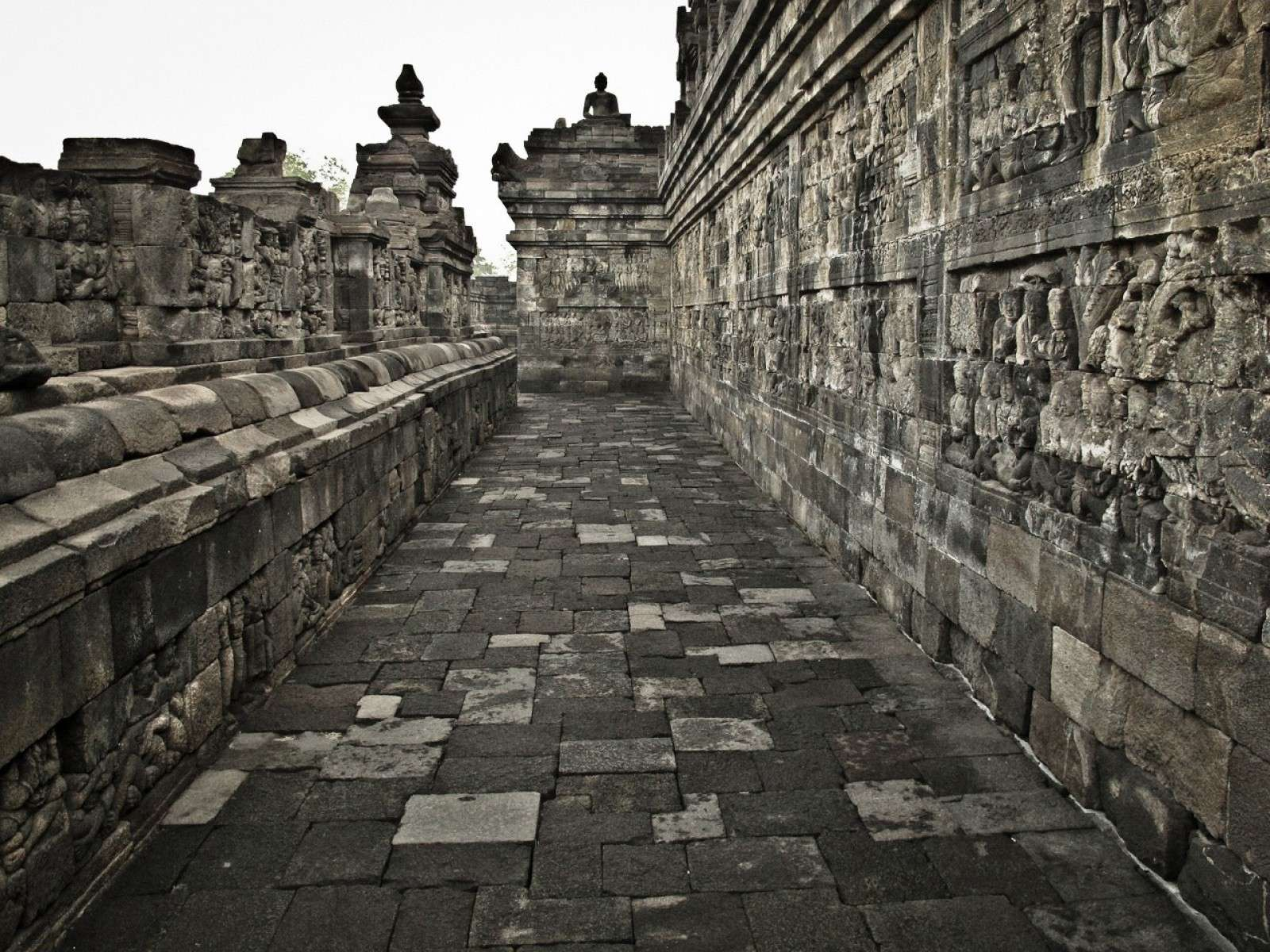 Borobudur-Temple-Oldest-Buddha-Monument-in-Central-Java_3