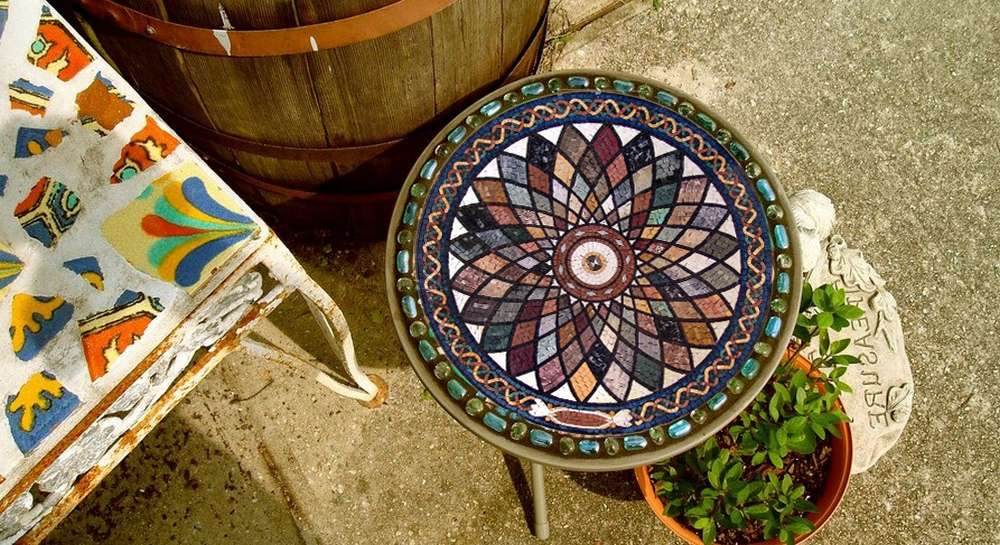 How to use mosaic medallions in home decor mozaico blog for Mosaic home decor