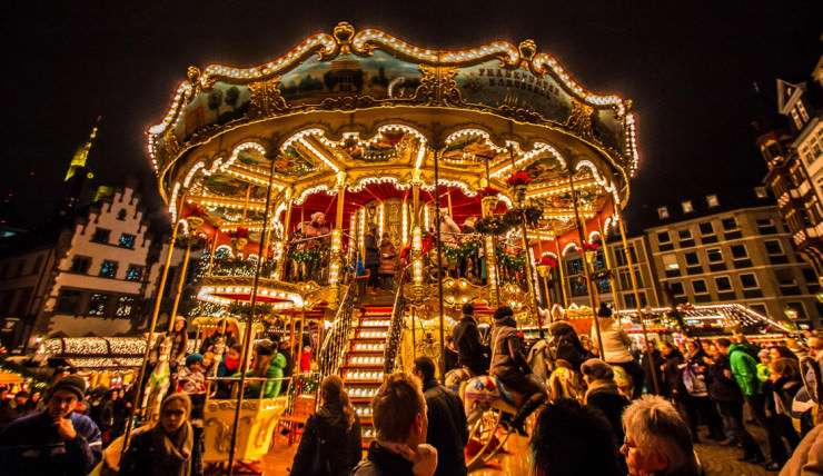 2-top-christmas-markets-frankfurt-photo-by-frederik-weidner-740x428