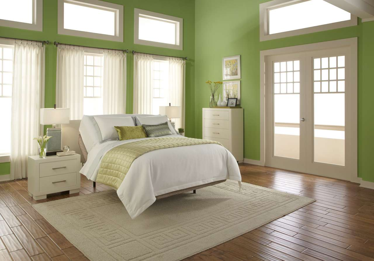 bedroom green decoration