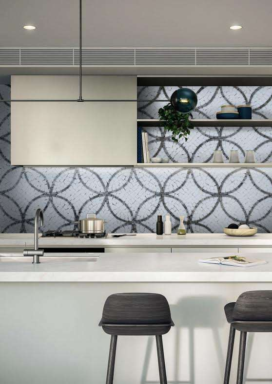 kitchen-mosaic-backsplash-natural