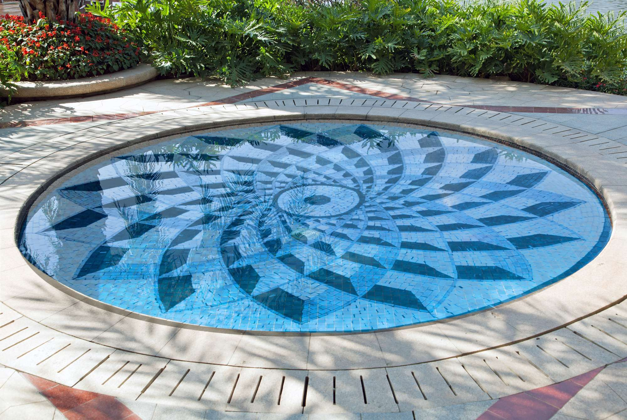 Mosaic-Medallion-Pool