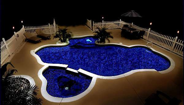 Glow-In-the-dark-Swimming-Pool