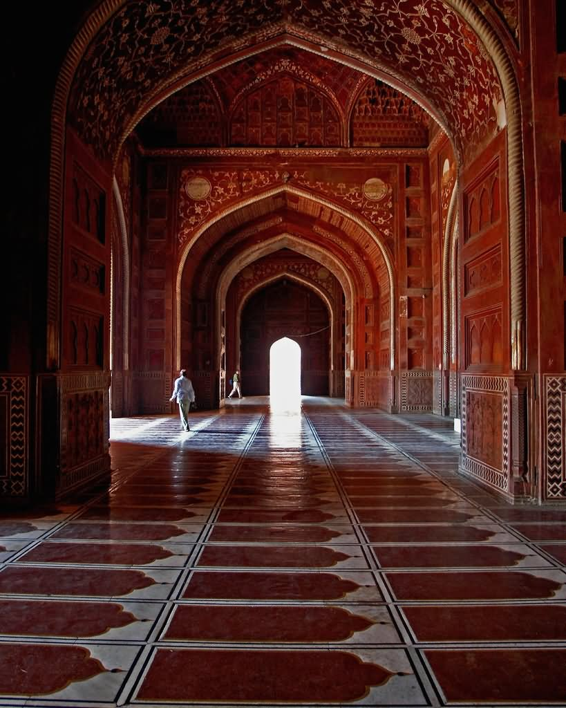 Beautiful-Taj-Mahal-Inside-Picture