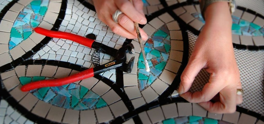 Mosaic art in the making by Mozaico